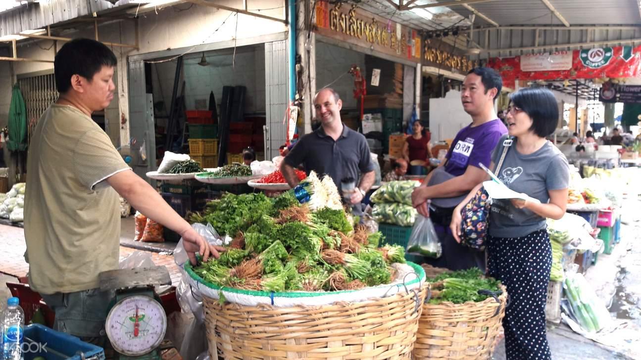 曼谷约皮曼市场,帕空花市